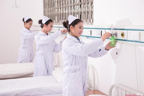 贵州省人民医院护士学校2021年招生简章